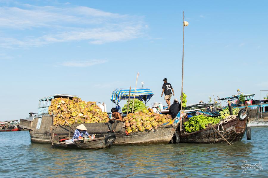 En Repartant Du Marché Flottant De Chau Doc