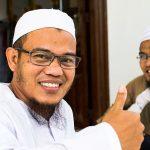 Le Jeune Imam Avec Qui Nous Avons Causé à La Mosquée De L'île Cham à Chau Doc