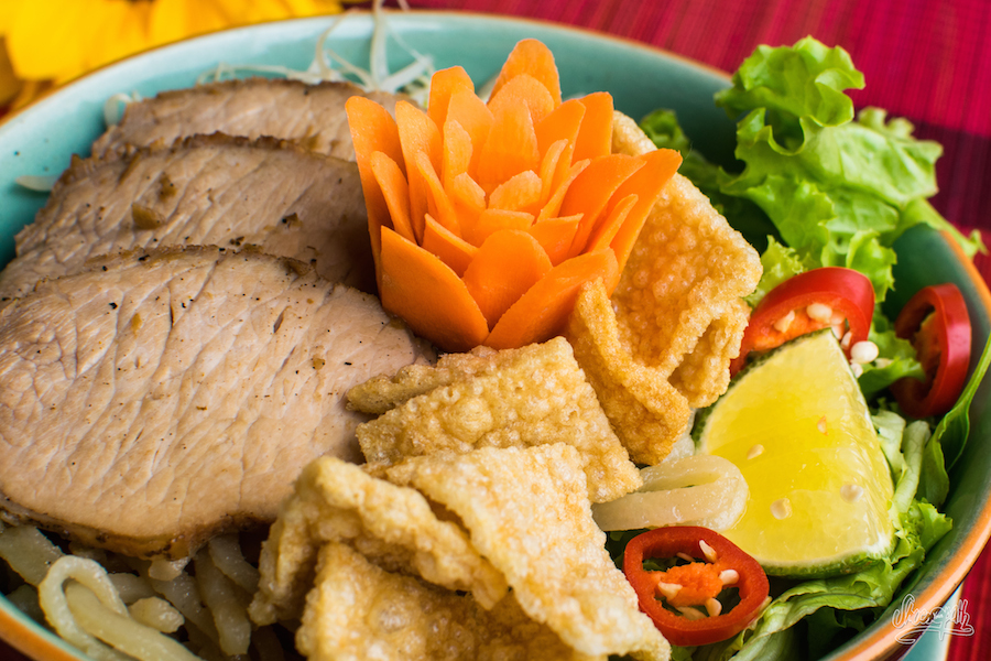 Cao lầu au Enjoy Restaurant