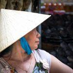 Une Vendeuse Du Marché Flottant De Chau Doc