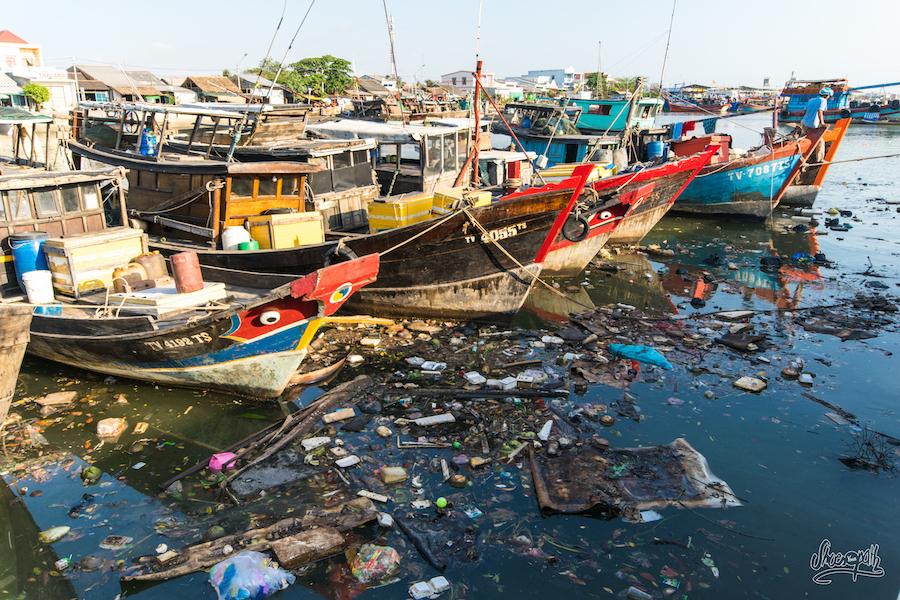 Pollution Au Port De Dinh Van