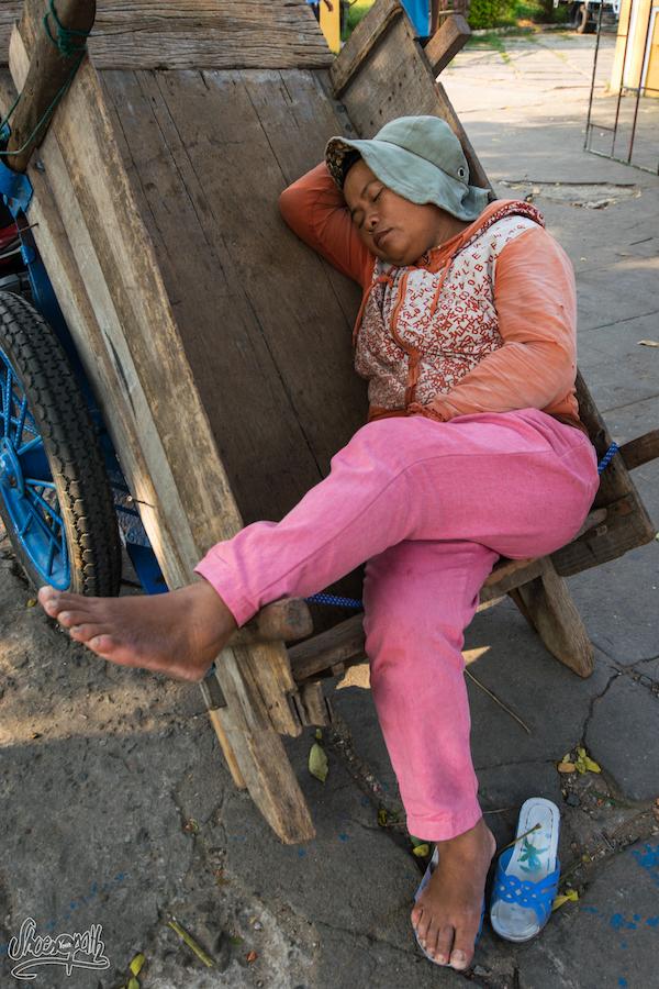 Au Vietnam Quand C'est L'heure De La Sieste, C'est L'heure De La Sieste !
