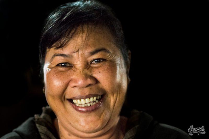 Le Plus Beau Sourire Du Vietnam : Une Vendeuse Sur Un Des Marchés De Hoi An