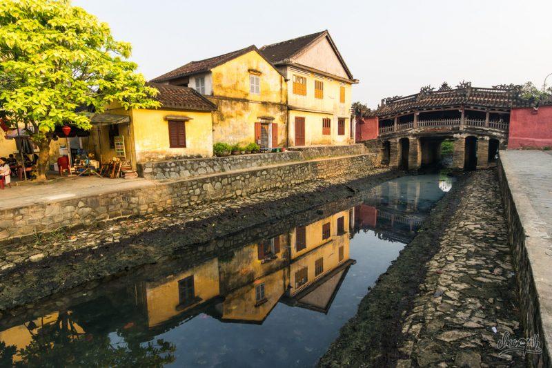 Lever De Soleil Sur Le Pont Japonais De Hoi An