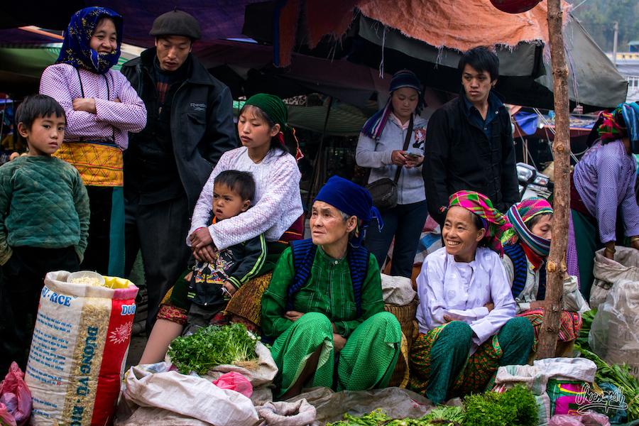Au marché de Dong Van