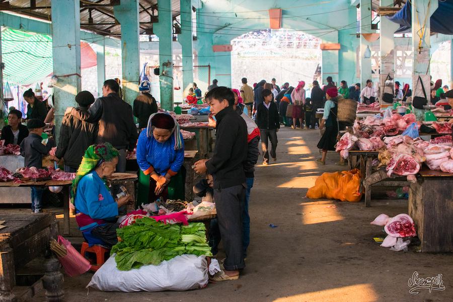 Au marché de Dong Van, quartier des bouchers