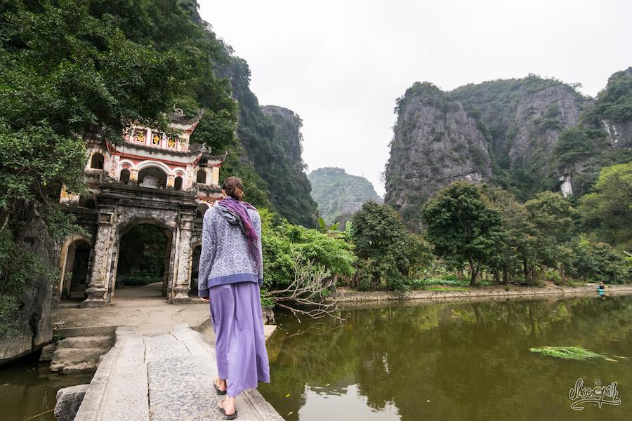 A L'entrée De Bich Dong
