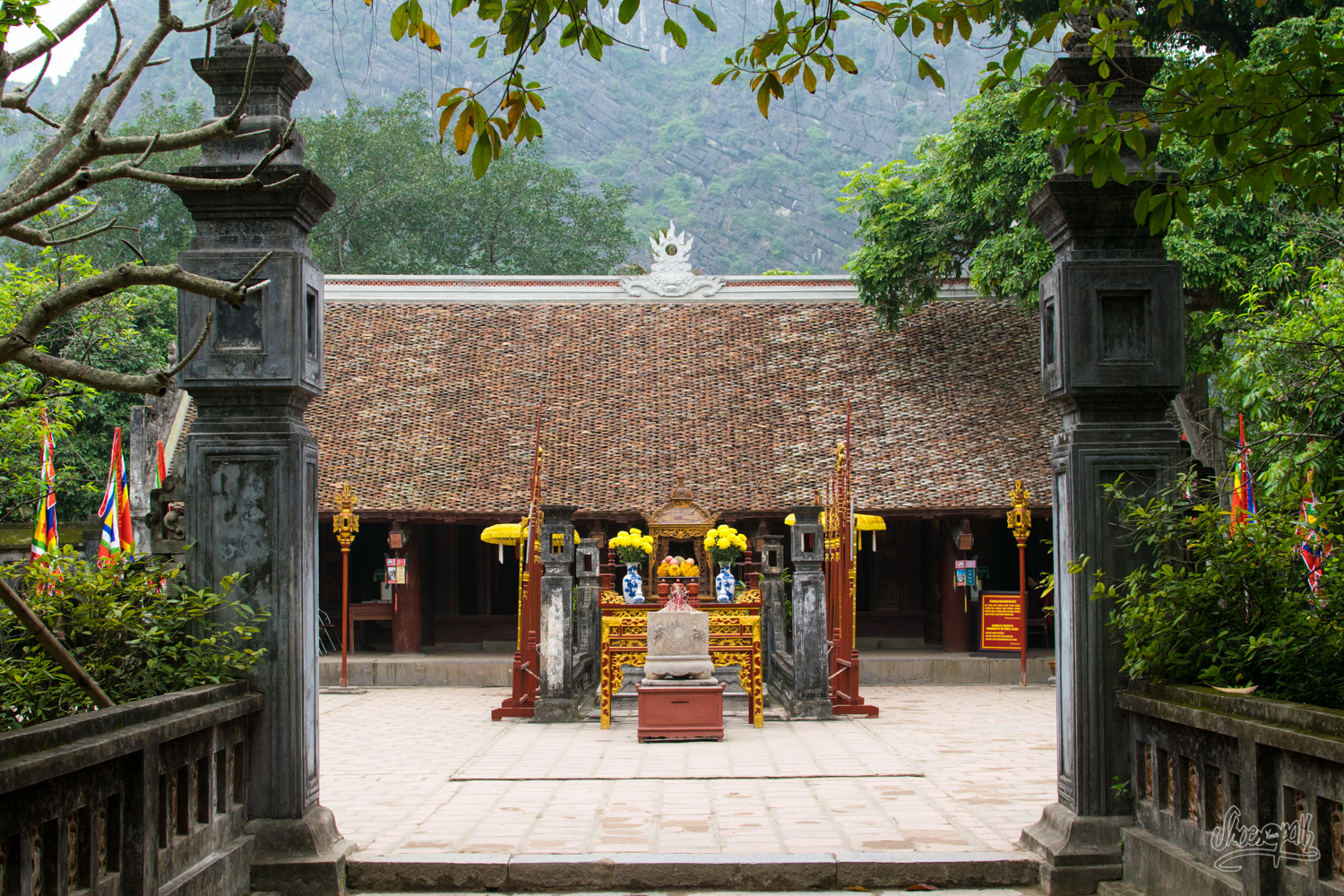 A temple in the old capital Hoa Lu