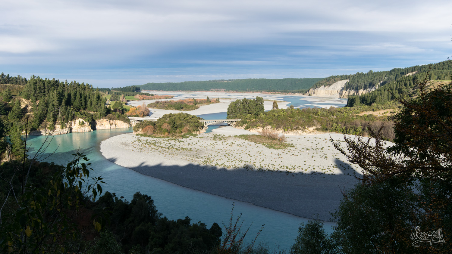 From the heights of the Rakaia Gorge, the view is rolling over the valley