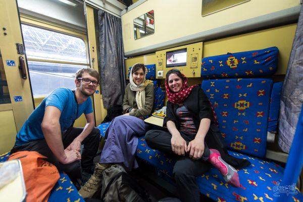 Dans Notre Compartiment De Train Couchette Entre Teheran Et Shiraz