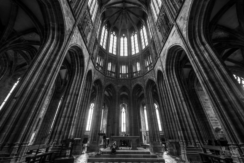 Dans la nef de l'abbaye du Mont Saint-Michel