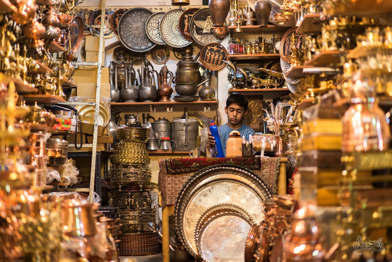 Les échoppes de cuivre du bazar de Shiraz