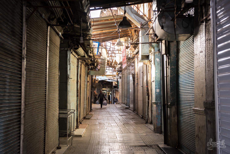 Dans les ruelles du bazar de Shiraz avant son ouverture