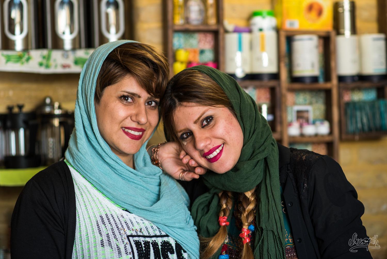 Portrait d'Iran - Deux soeurs, gérantes d'un café branché de Shiraz