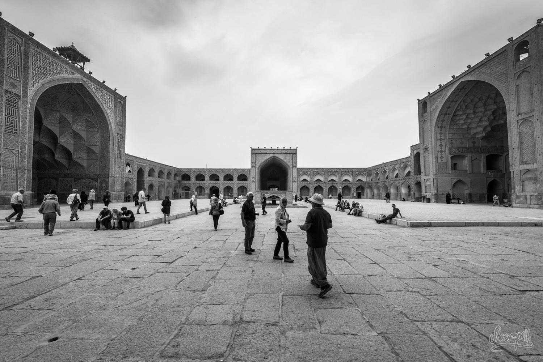 Dans la cours de la Jameh mosque