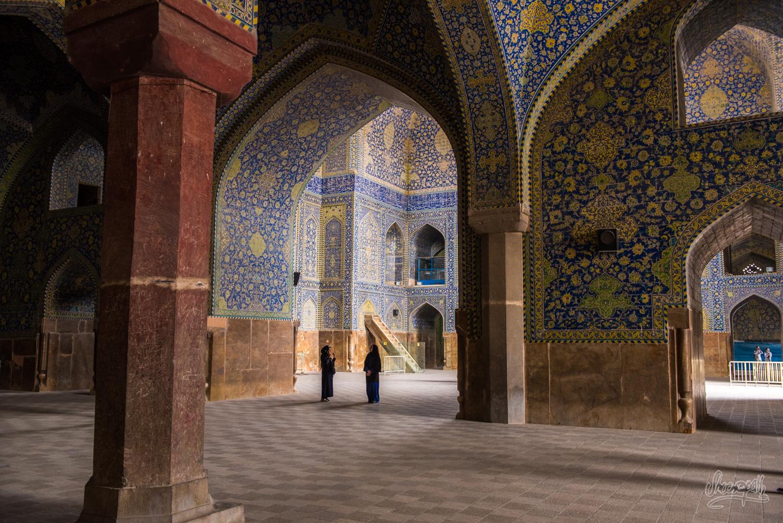 Grandes salles voutées de la Shah mosque