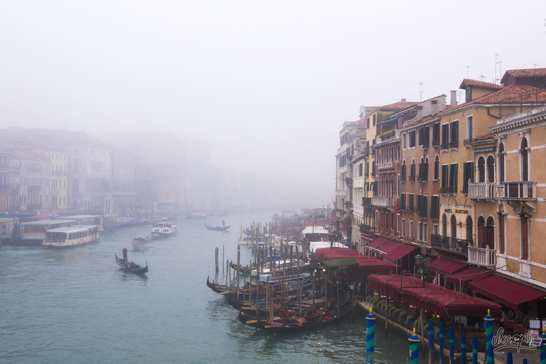 Le Grand Canal, vu depuis le pont Rialto