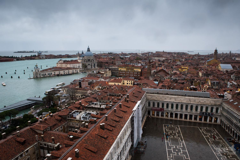 Vue depuis le haut du campanile de la place St Marc