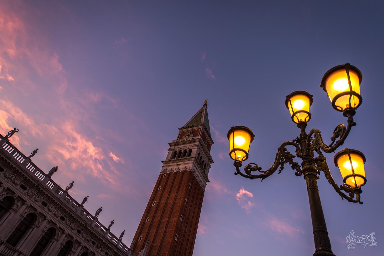 Venise... Coucher de soleil sur la place St Marc