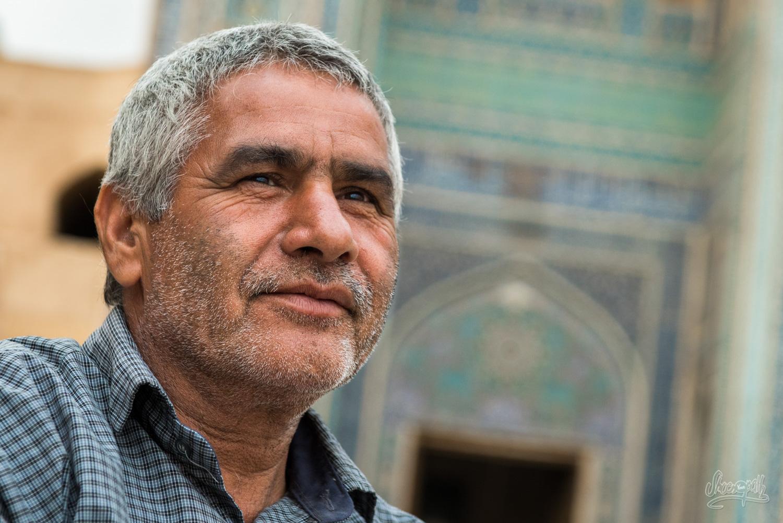 Un homme rencontré devant la Jameh mosque
