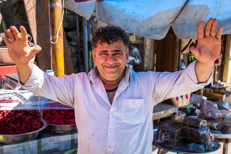 Un vendeur de fruits confits à Masuleh