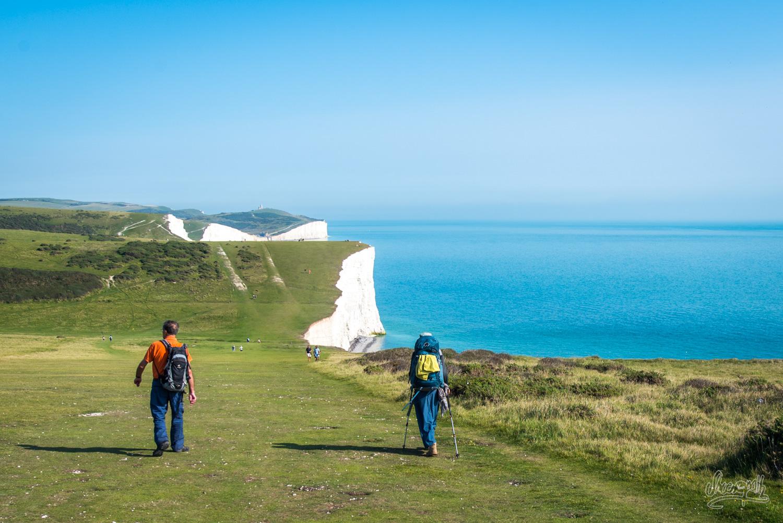 Sur les falaises d'Angleterre, en marchant vers Beachy Head