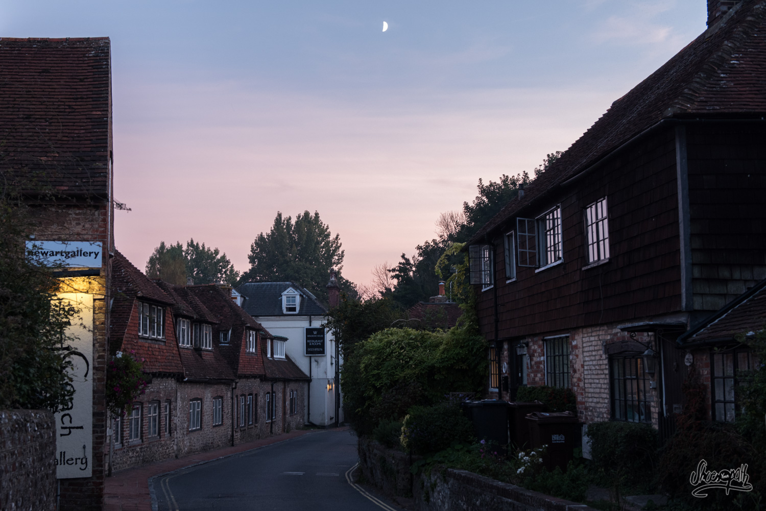 Alfriston by night