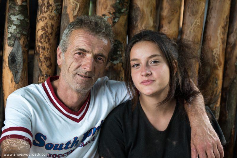Un Père Et Sa Fille, Propriétaires D'un Café