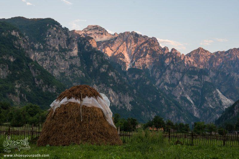 Coucher De Soleil Sur Theth - Albanie