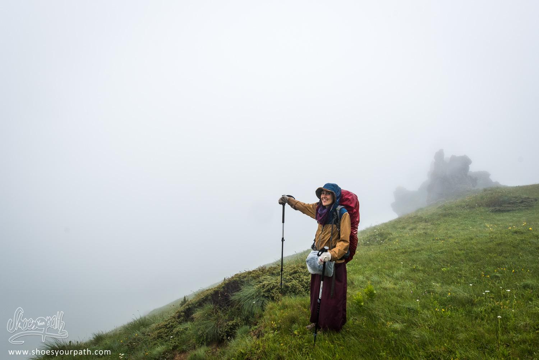 Sur le col de Jelenkut, pas mal la vue non ? - Peaks of the Balkans
