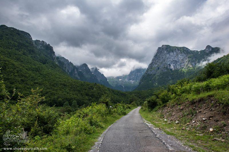 Sur La Route Entre Plav Et La Grebaje Valley - Montenegro