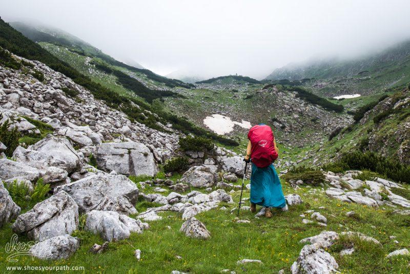 Entre Milishevc Et Drelaj, Lors D'une éclaircie Dans Le Brouillard - Peaks Of The Balkans