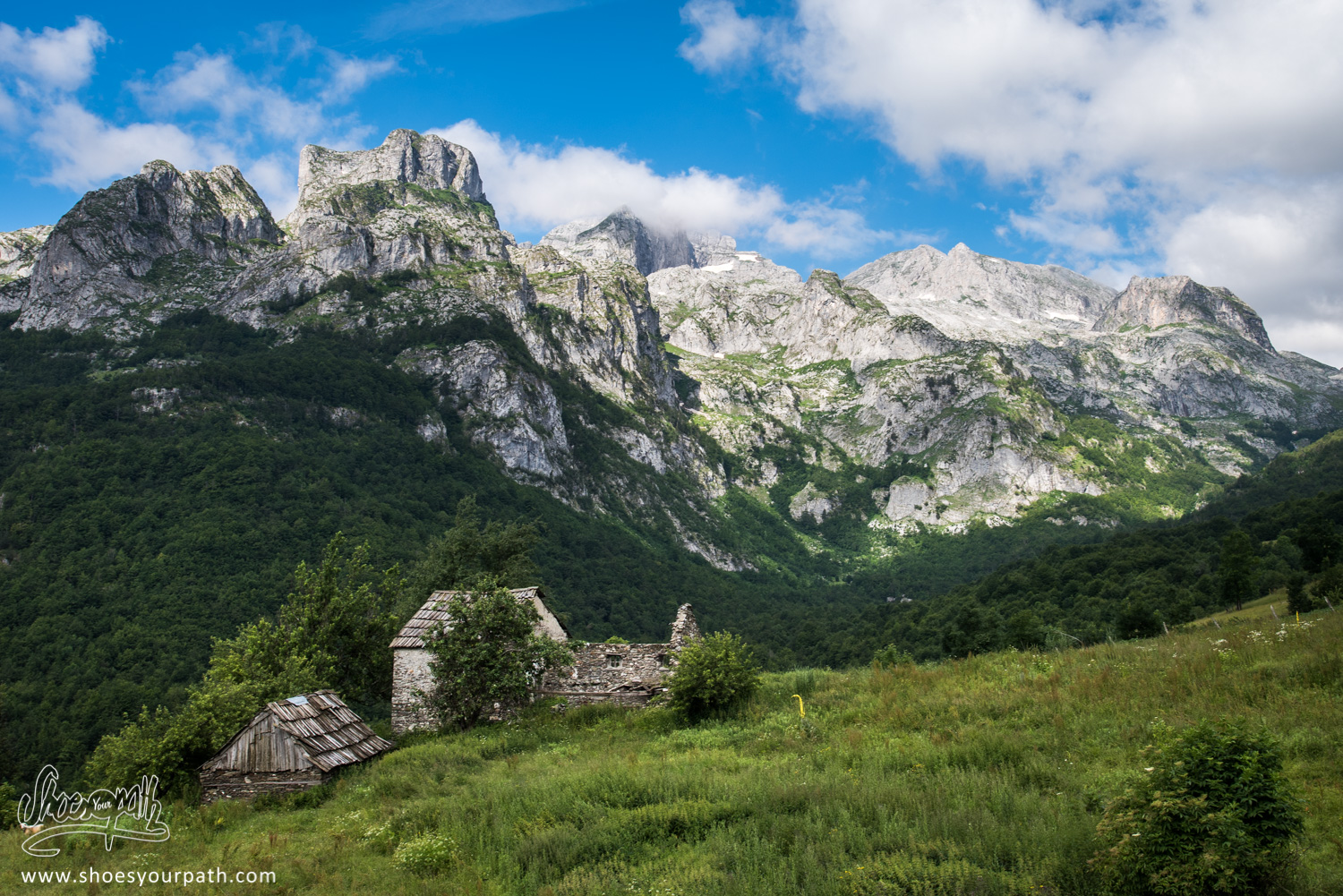 En quittant Çerem - Peaks of the Balkan - Albanie