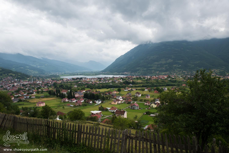 En arrivant sur Plav - Montenegro - Peaks of the Balkans