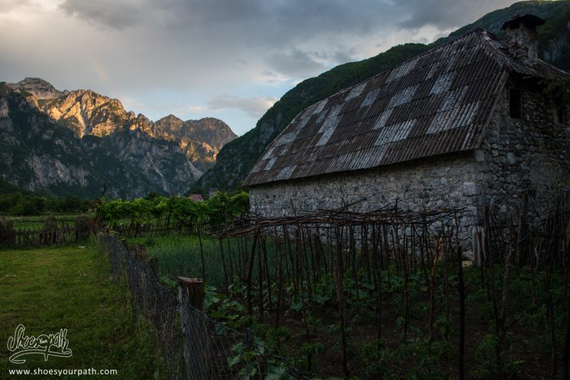 Dans La Vallée De Theth - Peaks Of The Balkans