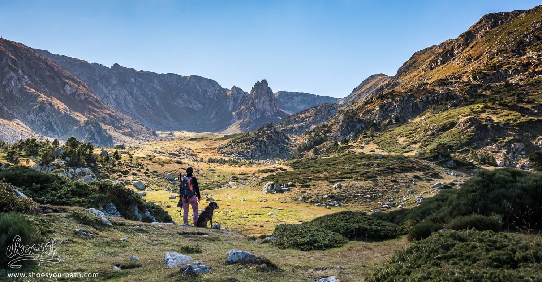 Le cirque et sa steppe au pied du Pic de Madrès - Pyrénées Catalanes, France