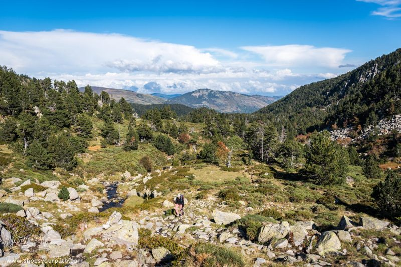 En Chemin Pour Accéder Au Pic De Madrès - Pyrénées Catalanes, France