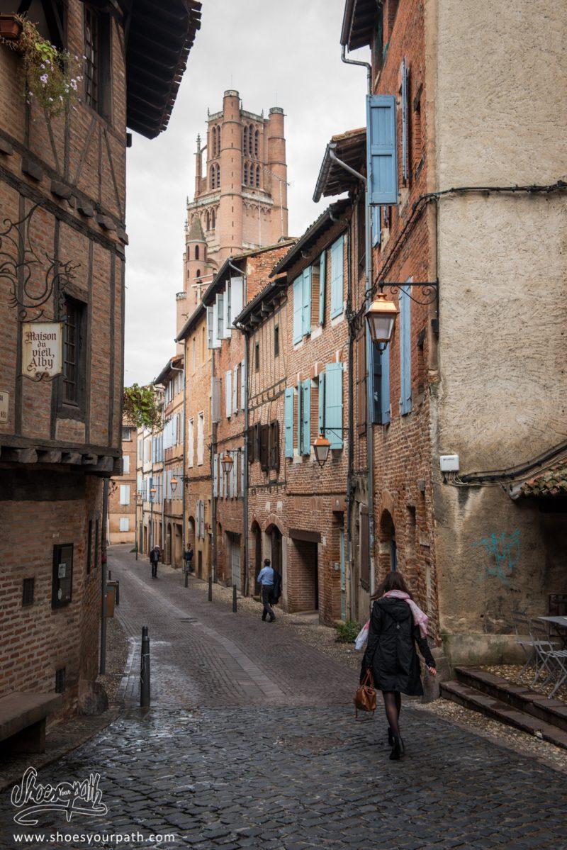 Dans Les Ruelles D'Albi - Occitanie, France
