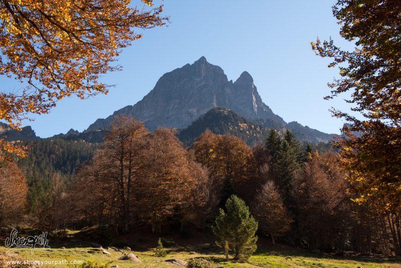 Au Départ De La Randonnée, Au Pieds Du Pic Du Midi D'Ossau - France, Occitanie