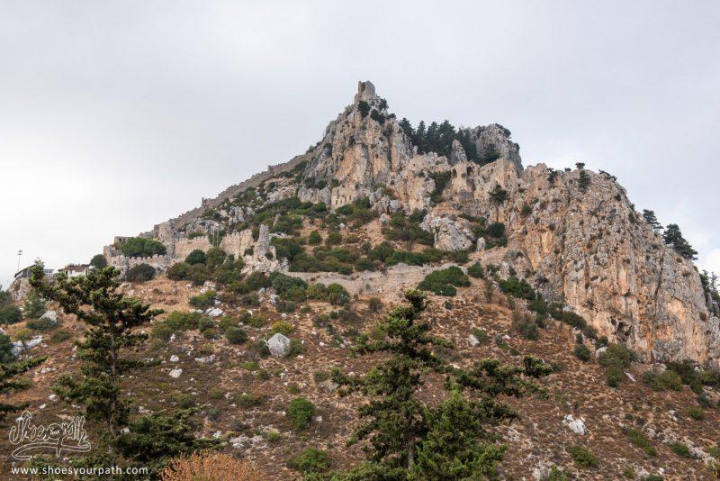En Arrivant Sur Le Château De Saint Hilarion