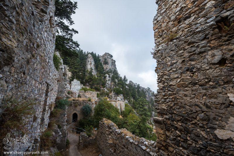 Dans Les Entrailles Du Château De Saint Hilarion