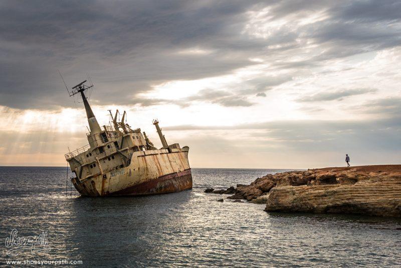 L'épave Du Edros III Au Coucher De Soleil - Chypre