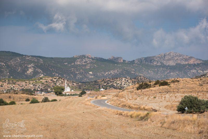 Dans La Campagne De Chypre Du Nord, Avant De Monter Sur La Chaîne De Kyrenia