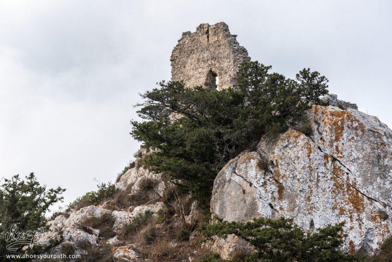 Au Sommet Du Promontoire Où Est Construit Le Château De Kantara, Les Ruines D'une Tour