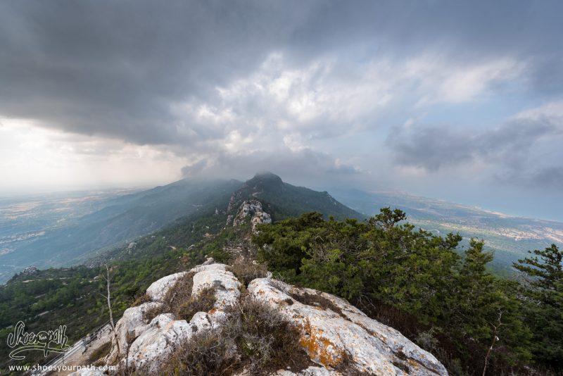 Vue Sur La Chaîne De Kyrenia Depuis Les Hauteurs Du Château De Kantara