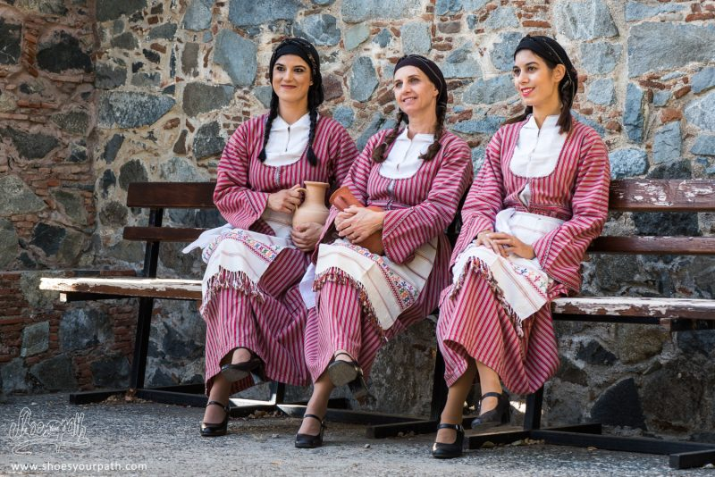 Danseuses En Habits Traditionnels Pour Le Festival De La Pomme De Kyperounta - Chypre