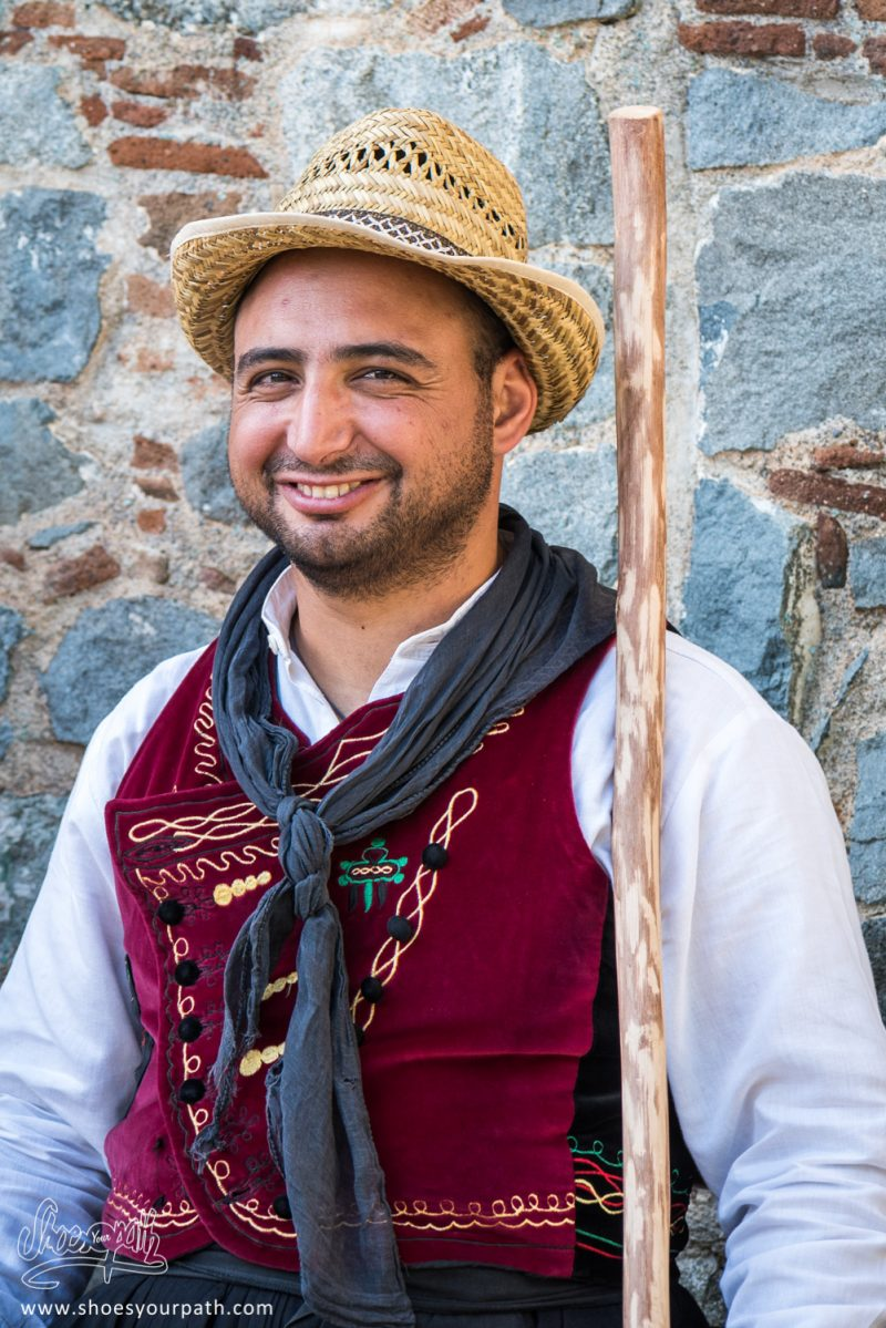 Danseur En Habits Traditionnels Pour La Fête De La Pomme De Kyperounta - Chypre