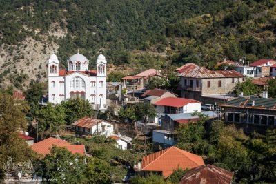 Vue Sur Pedoulas Et L'église De La Sainte Croix