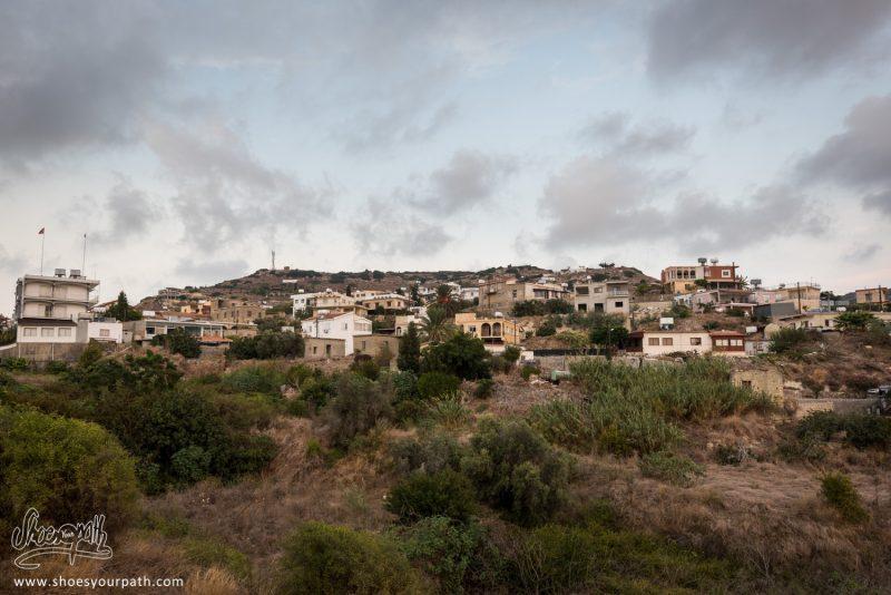 Sur Les Routes De Chypre Du Nord, En Quittant La Péninsule De Karpaz Au Coucher De Soleil