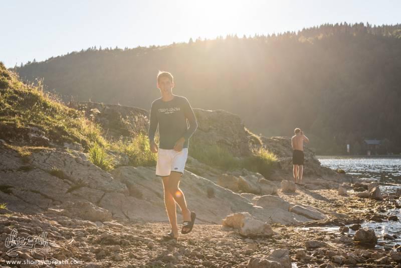 Simon Et Arthur Sur Les Rives Du Lac Des Rousses